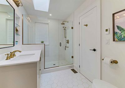 136 Trelawn Avenue Oakville | Main-Bathroom-(1)