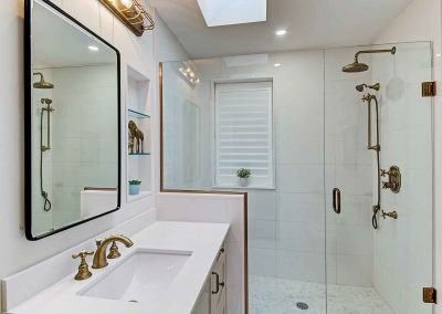 136 Trelawn Avenue Oakville | Main-Bathroom-(2)